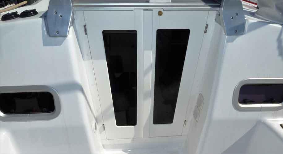 Beneteau 37 starboard doors